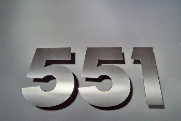 Edelstahlhausnummer 551