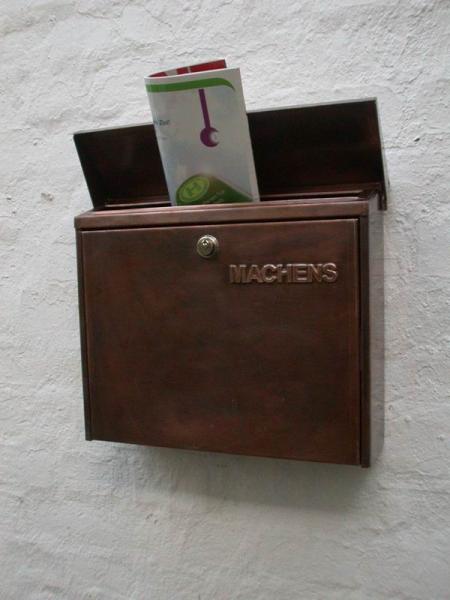 ein normaler briefkasten aus lackiertem stahlblech haben wir. Black Bedroom Furniture Sets. Home Design Ideas