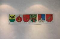 Wappen der Samtgemeinden von Algermissen im Sitzungszimmer des Rathauses