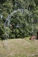 Rosenbogen oder Rankhilfe aus 10 mm feuerverzinktem Rundstahl