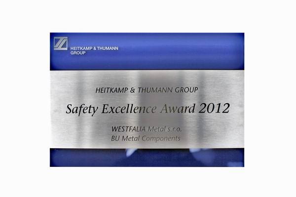 Safety Excellence Award 2012 aus Edelstahl, anlassbeschriftet auf Acrylglas