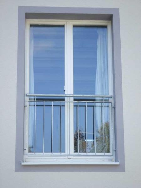 ein sch ner franz sischer balkon preis per laufenden meter. Black Bedroom Furniture Sets. Home Design Ideas