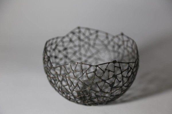 Schale  aus 1,0 mm Draht mit Schmitz Struktur