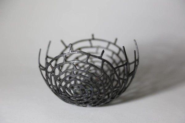 Schale  aus Stahl, geschweißt und geschmiedet