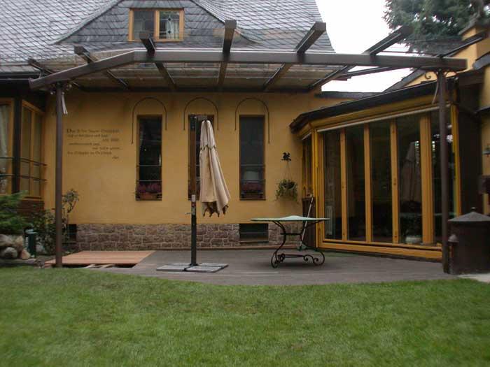 traumhafte terrassen berdachung als schiebedach. Black Bedroom Furniture Sets. Home Design Ideas