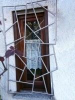 Schmitzstruktur Fenstergitter in Edelstahl