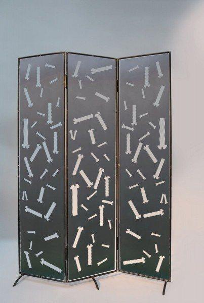 branchenspezifischer Raumteiler aus Stahl gelasert
