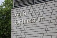 Schriftzug aus Edelstahl für die Aula in Hildesheim Ochtesum