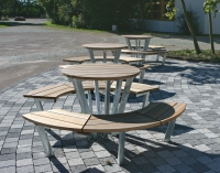 Bänke für das Schulzentrum in Isernhagen