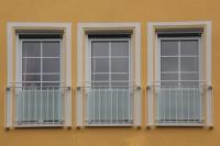 Sichtschutz aus Sicherheitsglas mit matter Folie