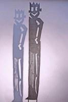 Männerskulptur aus Stahlblech