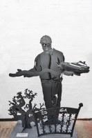 Olaf der Baumeister, jetzt ist er in Rente. Skulptur für HochTief in Hannover