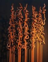 Skulptur aus rostigem Rundeisen
