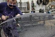 Entstehung einer Skulptur aus dünnen Draht