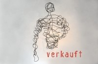 """In Stahl """"gezeichnete"""" Skulptur aus Rundeisen"""
