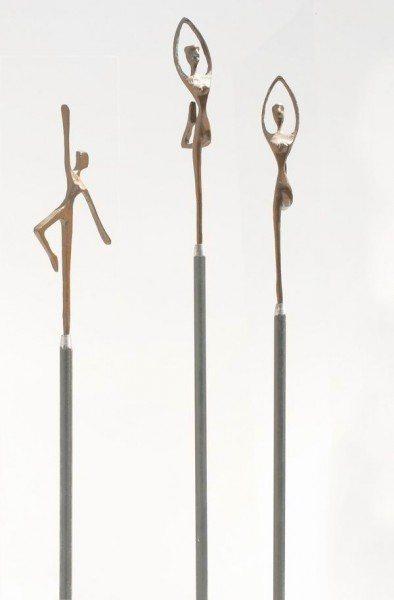 Sockel aus 12mm Rundstahl für 3 kleine Bronze Skulpturen