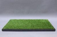 Bodenpodest aus Stahl mit Kunstrasen
