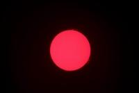 Einzelaufnahme der Sonne mit schönen Protuberanzern am 5.6.11