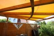 Sonnensegel als Pergolaüberdachung