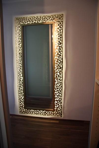 spiegel mit rahmen aus 1 mm stahlblech mit led s hinterleuchtet. Black Bedroom Furniture Sets. Home Design Ideas