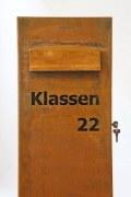 Freistehender Briefkasten aus Corten Stahl