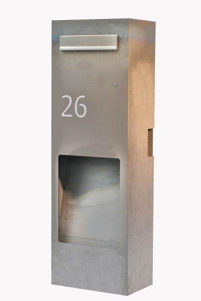 Rostiger Standbriefkasten mit einer Edelstahl Einwurfklappe