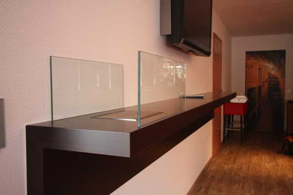 stehtresen an der wand montiert mit einem bioethanol kamin. Black Bedroom Furniture Sets. Home Design Ideas