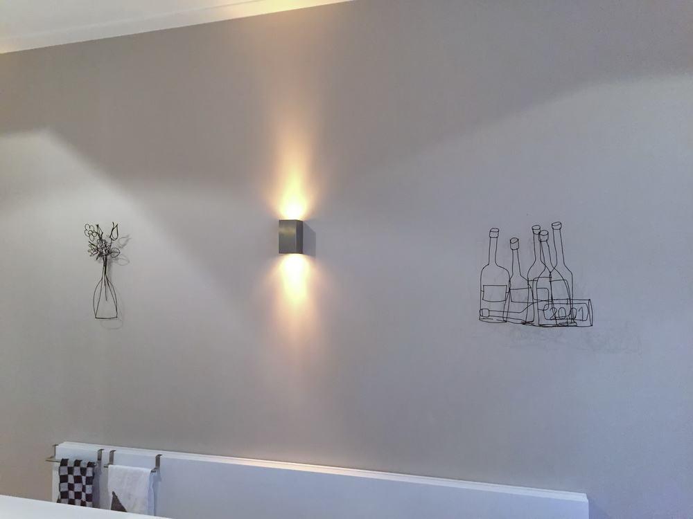 blumen stillleben f r eine k chenwand. Black Bedroom Furniture Sets. Home Design Ideas