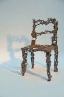 rostige Stuhl Skulptur aus Schrott
