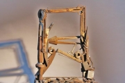 Stuhl - Skulptur aus Schrott geschweißt