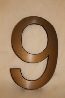 Hausnummer 9 aus Aluminium