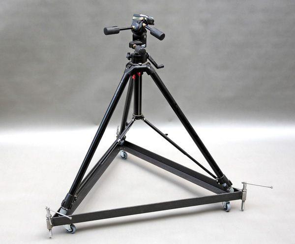 rollbares Untergestell für ein Teleskop