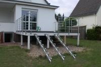 Terrassengeländer aus verzinktem Stahl mit Edelstahlhandlauf