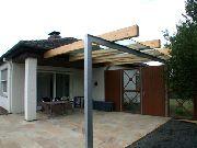 Vordach aus Leimbindern, Stahl feuerverzinkt und VSG 16 mm
