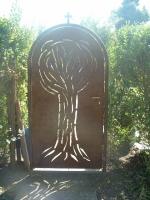 plasmagetrennte Gartenpforte aus rostigem Stahl