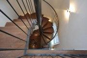astreine Spindeltreppe für eine historische Villa