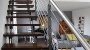 Treppe aus Stahl, Treppenhandlauf aus Edelstahl