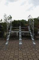 feuerverzinkte Unterkonstruktion mit Geländer für eine Treppe