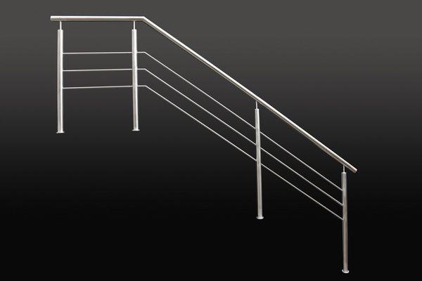 Treppengeländer mit drei waagerechten Streben