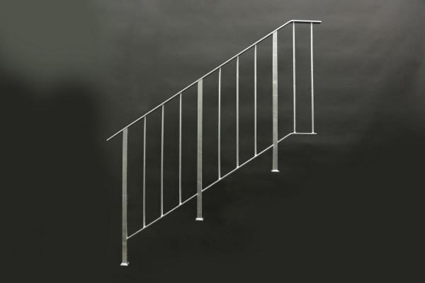 Treppengeländer aus feuerverzinktem Stahl