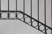 Tolles Geländer mit hochglanz verchromten Handlauf aus Bronze