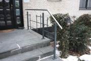 Geländer aus feuerverzinktem und lackiertem Stahl nach Mondrian Art