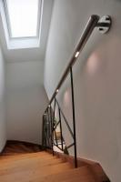 Besonderes Treppengeländer mit LED Handlauf