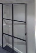 Türe aus Stahl und Glas im coolen Industrie Look
