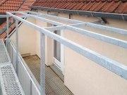 Überdachung eines Balkon