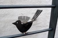 Vogelgitter, Flacheisenrahmen mit Rundeisen und gelaserten Vögeln