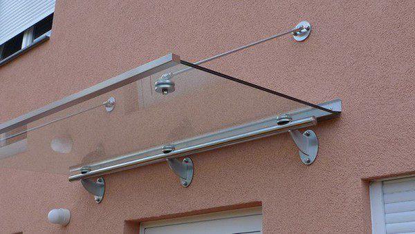 Edelstahl Vordach mit Glasfüllung aus Sicherheitsglas