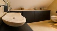 Waschbecken aus Naturstein handgemeißelt