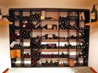 Wein Regale und Möbel für den Weinkeller