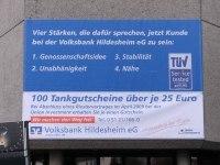 Werbe Banner aus Gitternetzplane für die Volksbank in Hildesheim